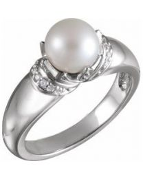 14k White Gold Akoya Cultured Pearl & .09 CTW Diamond Ring - Size 7